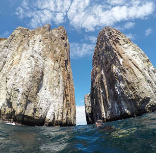 kicker rock tour, book kicker rock galapagos, kicker rock galapagos islands, kicker rock tour price